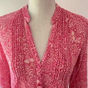 Eddie Bauer pink floral button down top blouse.
